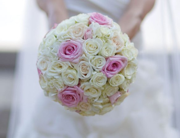 Bridal bouquet of pink and ivory roses