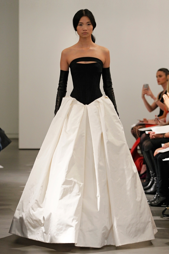 VW-Bride_SS14_runway_Look-13
