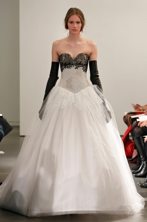 The perfect bridal elegance of white and black combined.