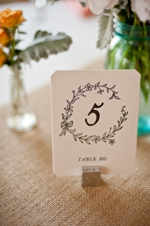 rustic place card table number, planning by www.soireechicago.com