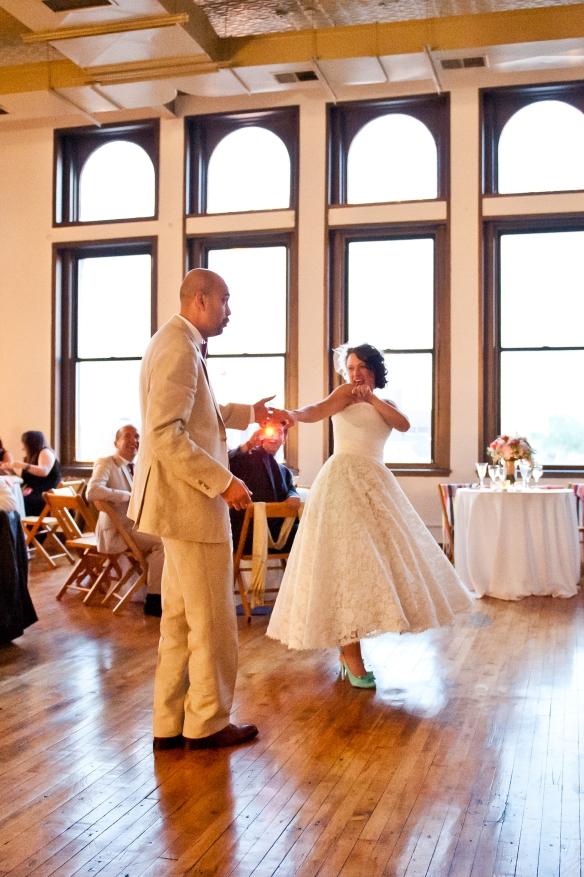 urban loft Chicago wedding, planning by www.soireechicago.com