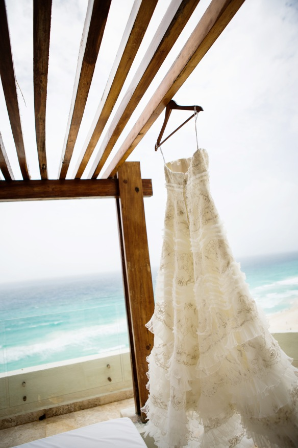 Wedding dress cancun