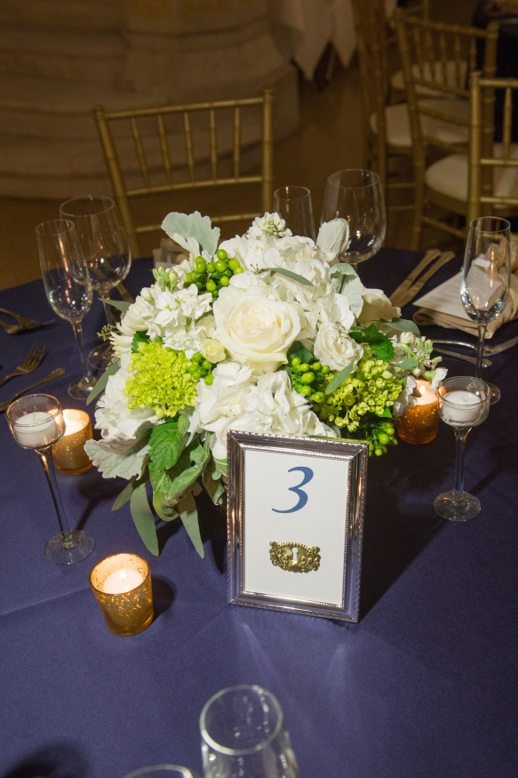 Avant Gardenia white and green Centerpieces